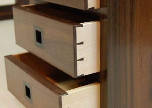 Low-desk-dovetail