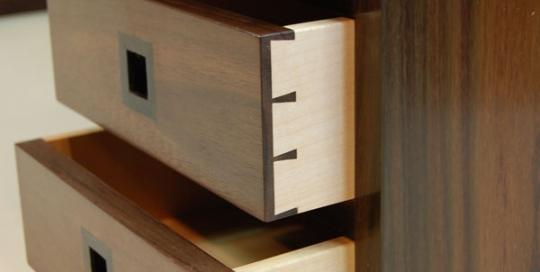 Low-desk-dovetail